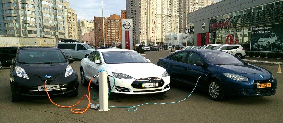 Електрокари в Україні подешевшають на 23%