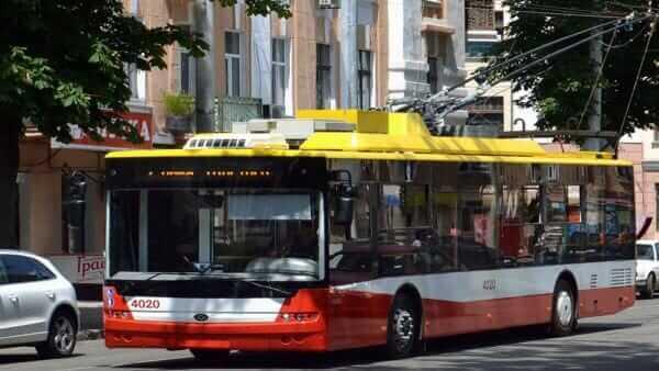 У Києві запустили «розумний» тролейбус з камерами спостереження і системою зв'язку з поліцією