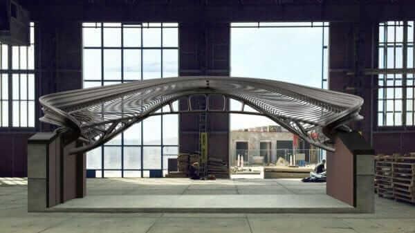 У Голландії вперше в світі на 3D-принтері надрукували пішоходний міст