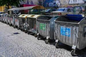 Життя У Львові створили додаток, через який можна повідомити про сміття на вулиці додаток екологія Львів новина сміття україна