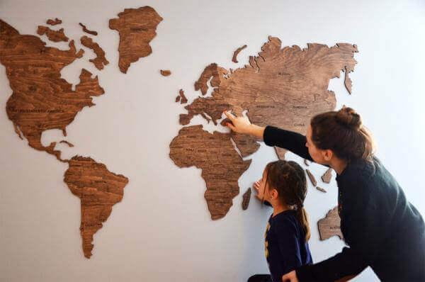 Дерев'яна карта світу від стартапу з України зібрала 100 тис. $ інвестицій