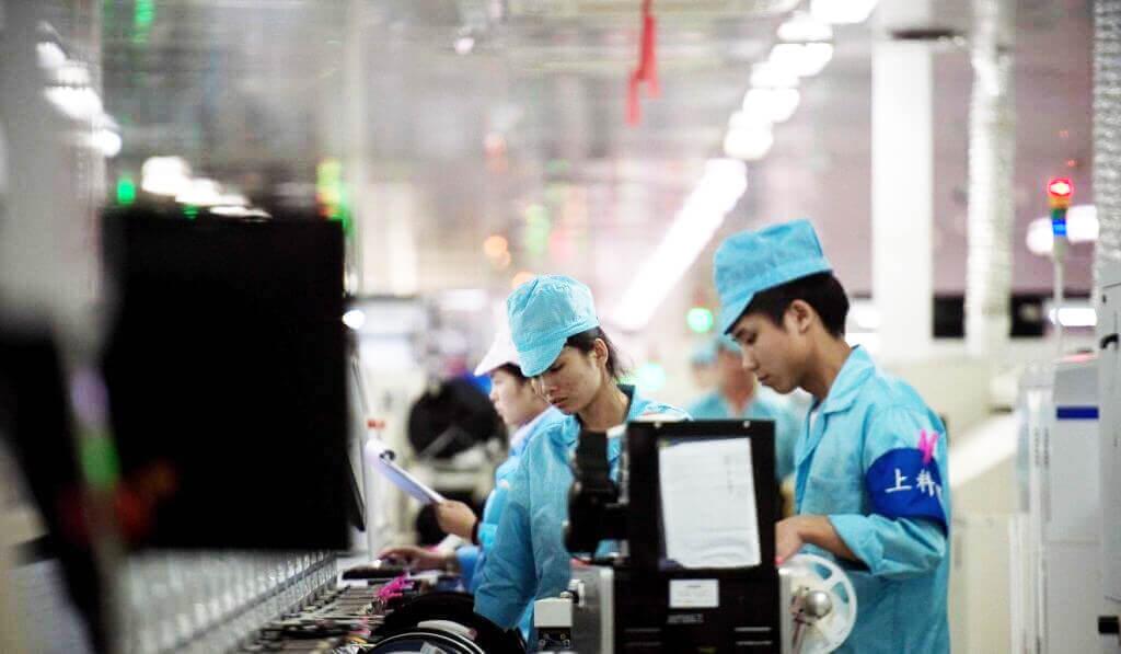 У Китаї штучний інтелект визначає працівників з депресією і понижує їх на посадах