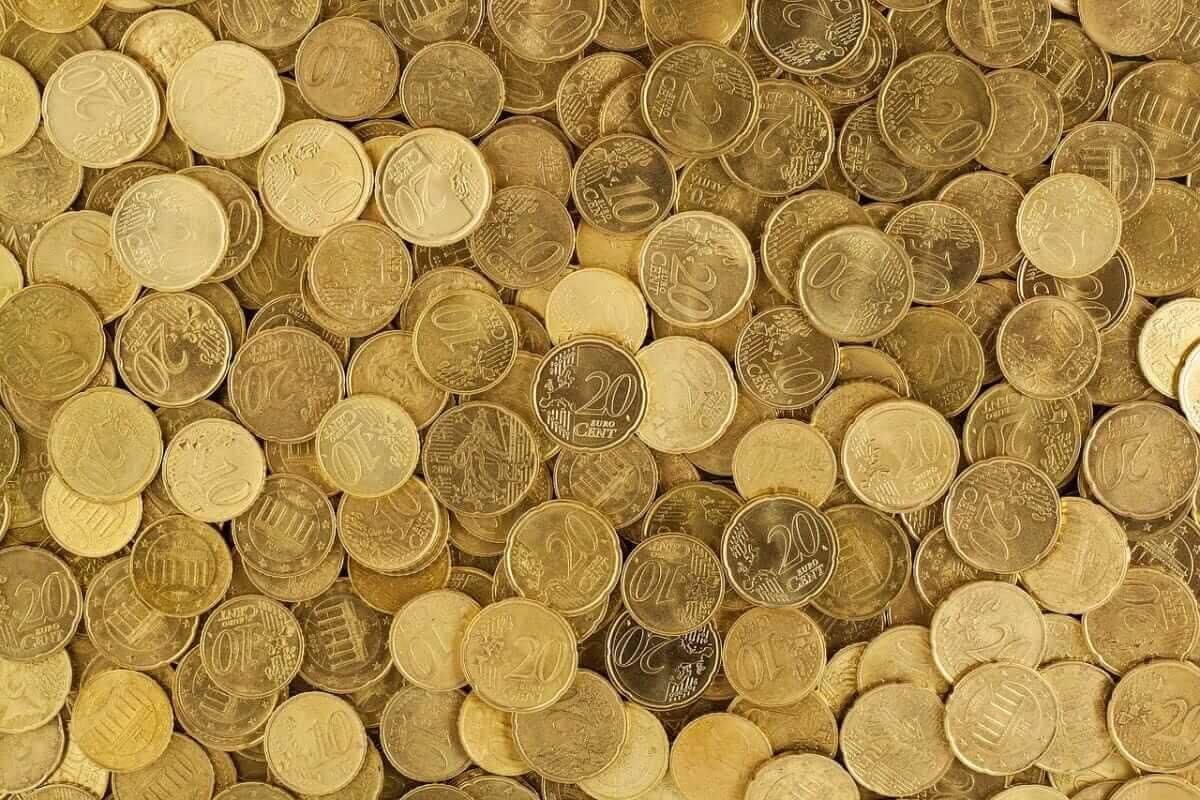 Сім порад, як навчитися економити гроші