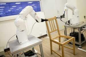 Технології У Сінгапурі роботів навчили збирати стільці з IKEA IKEA роботи Сінгапур