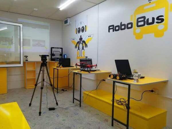 В Україні запрацює мобільна лабораторія робототехніки, де можна буде вивчати програмування