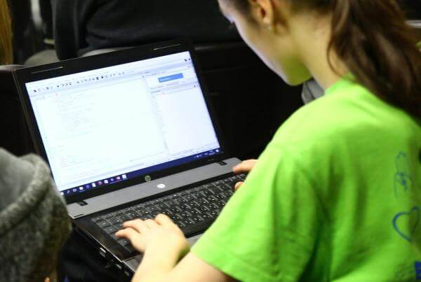 Цього літа в Україні працюватиме школа програмування