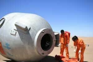 Життя 19 днів китайські астронавти вчились виживати в пустелі кнр космос у світі