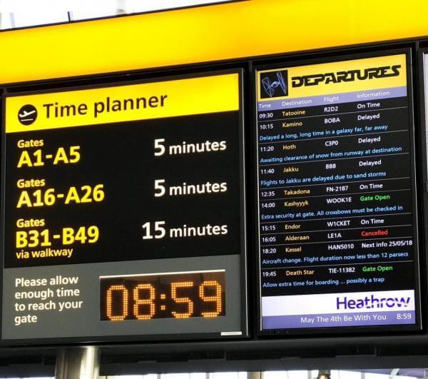 Лондонський аеропорт вшанував Зоряні війни списком міжгалактичних перельотів замість звичного табло