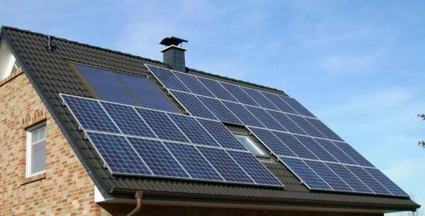 Уряд Каліфорнії зобов'язав встановлювати сонячні батареї на всіх нових будинках