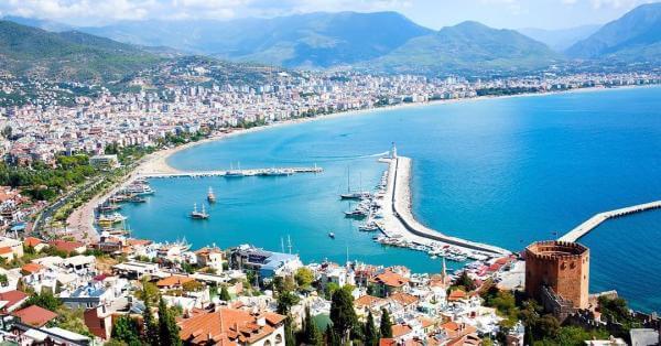 Туреччина чи Одеса? Google назвала напрямки, які найчастіше шукають українці