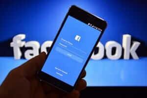 Життя Виробники смартфонів мали повний доступ до особистої інформації завдяки угоді з Facebook amazon apple blackberry facebook microsoft samsung безпека новина сша