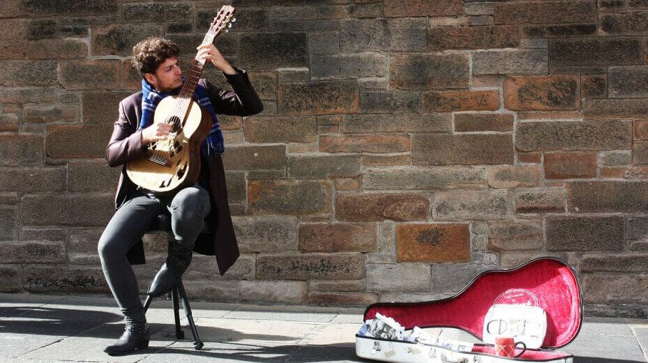 У Лондоні вуличні музиканти збиратимуть гроші через термінали