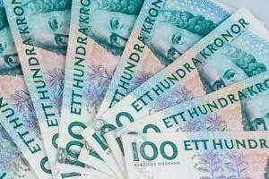 Життя Швеція знову повертає в обіг готівкові гроші банки гроші новина у світі швеція