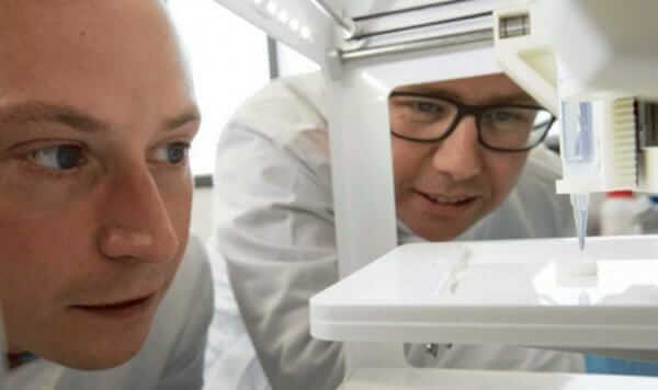 Американські вчені вперше надрукували рогівку ока на 3D-біопринтері