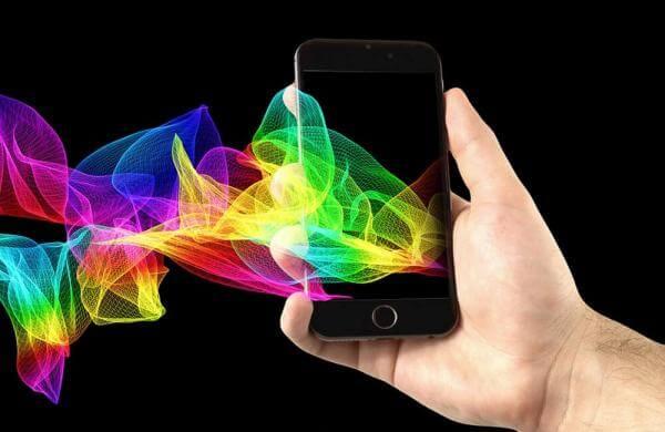 Ваш смартфон постійно слухає, про що ви говорите