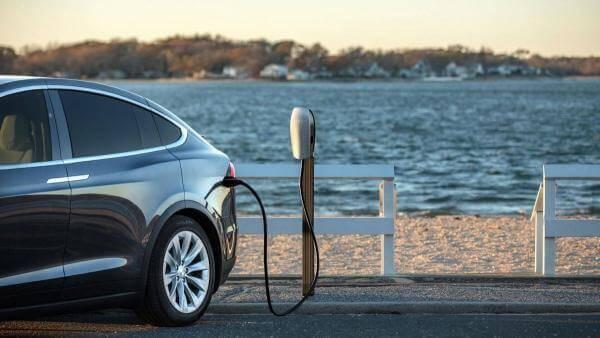 Аналітика ринку електромобілів в Україні та світі