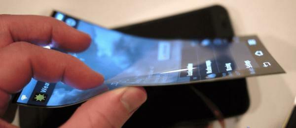 У листопаді 2018-го Huawei випустить смартфон із гнучким дисплеєм