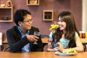 Життя У Китаї тепер можна одружитись або розлучитися через месенджер кнр месенджери новина у світі