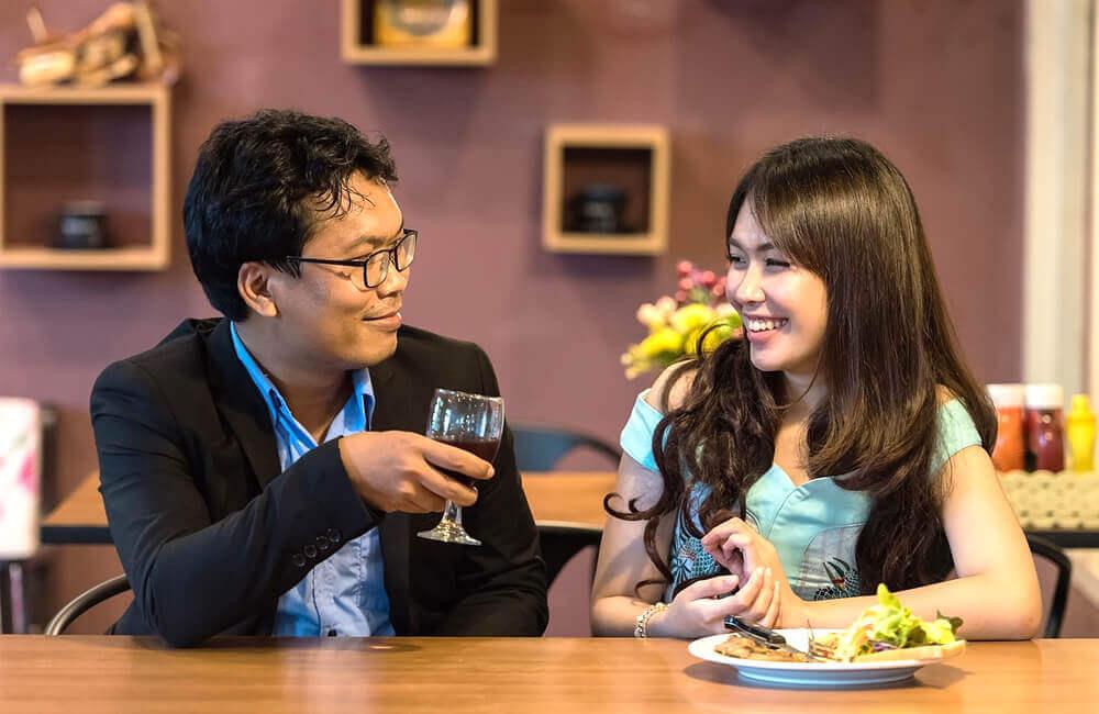 У Китаї тепер можна одружитись або розлучитися через месенджер