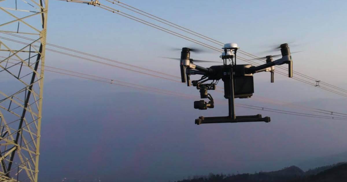 На Дніпропетровщині дрони шукають аварії на лініях електропередач