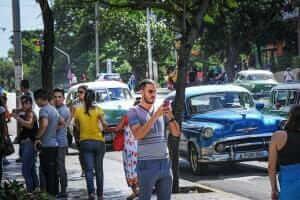 Інтернет На Кубі нарешті з'явився мобільний інтернет мобільний зв'язок новина смартфони у світі
