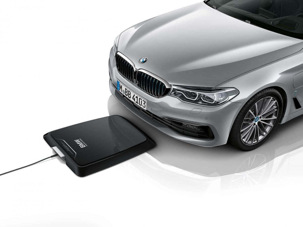 Як працює бездротова зарядка для електрокарів BMW