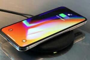 Технології У новому iPhone може не бути жодних фізичних кнопок та роз'ємів apple iphone смартфони