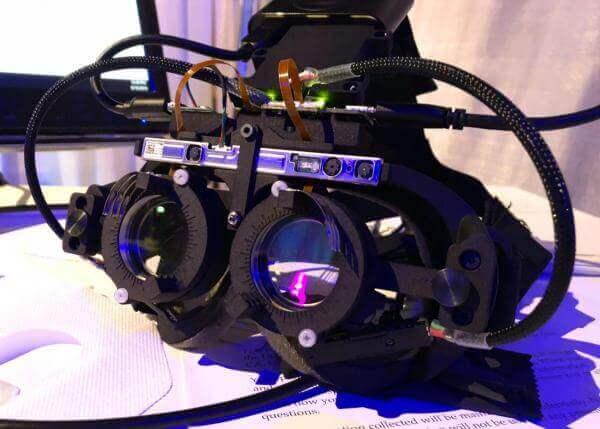 Вчені створили окуляри, які автоматично фокусуються на об'єкті, на який дивиться людина