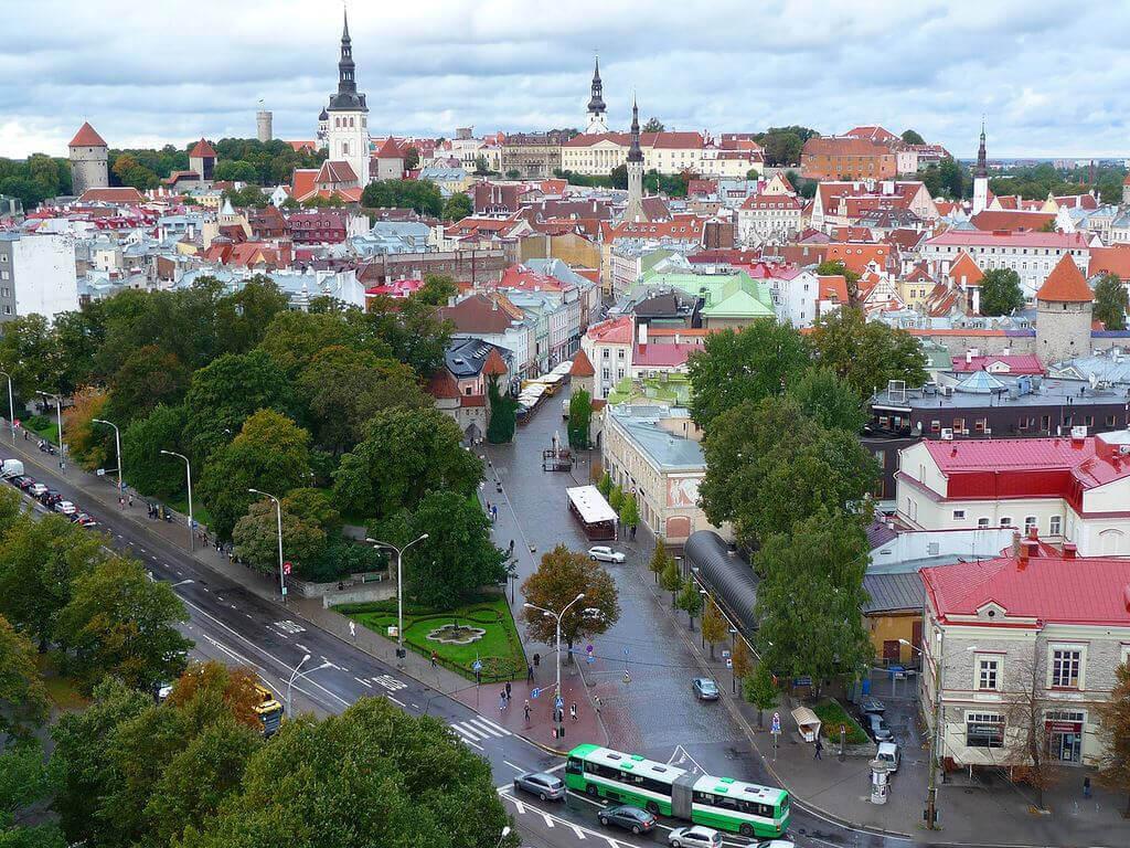 Естонія скасувала плату за проїзд в громадському транспорті