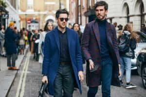 Життя 10% британців, зробивши селфі з новим одягом, повертають придбані товари британія новина одяг соцмережі у світі