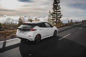 Технології Чи варто купувати Nissan Leaf? Три міфи про електрокар і поширені проблеми Nissan Leaf електромобіль стаття транспорт