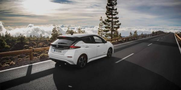 Чи варто купувати Nissan Leaf? Три міфи про електрокар і поширені проблеми