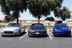 Життя Tesla перетвориться з публічної компанії на приватну tesla авто ілон маск новина сша