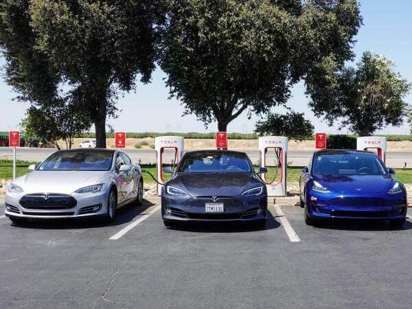 Tesla перетвориться з публічної компанії на приватну