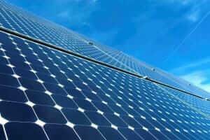 Технології Скільки можна заробити на сонячній електростанції в Україні екологія сонячні батареї статистика стаття україна