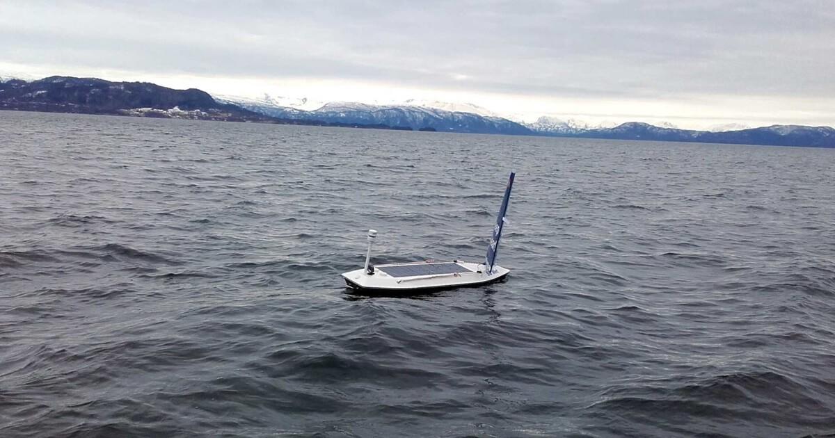 Човен на сонячній батареї вперше перетнув Атлантичний океан