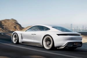 Життя Porsche припиняє виробництво дизельних та бензинових автомобілів електромобіль німеччина новина у світі
