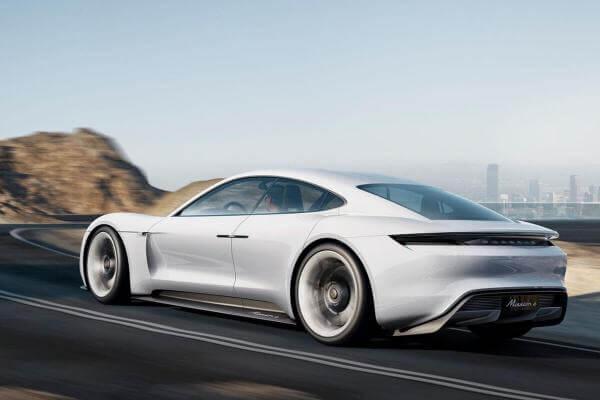 Porsche припиняє виробництво дизельних та бензинових автомобілів