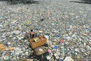 Технології У Китаї винайшли пластик, що розчиняється у воді екологія кнр новина сміття у світі