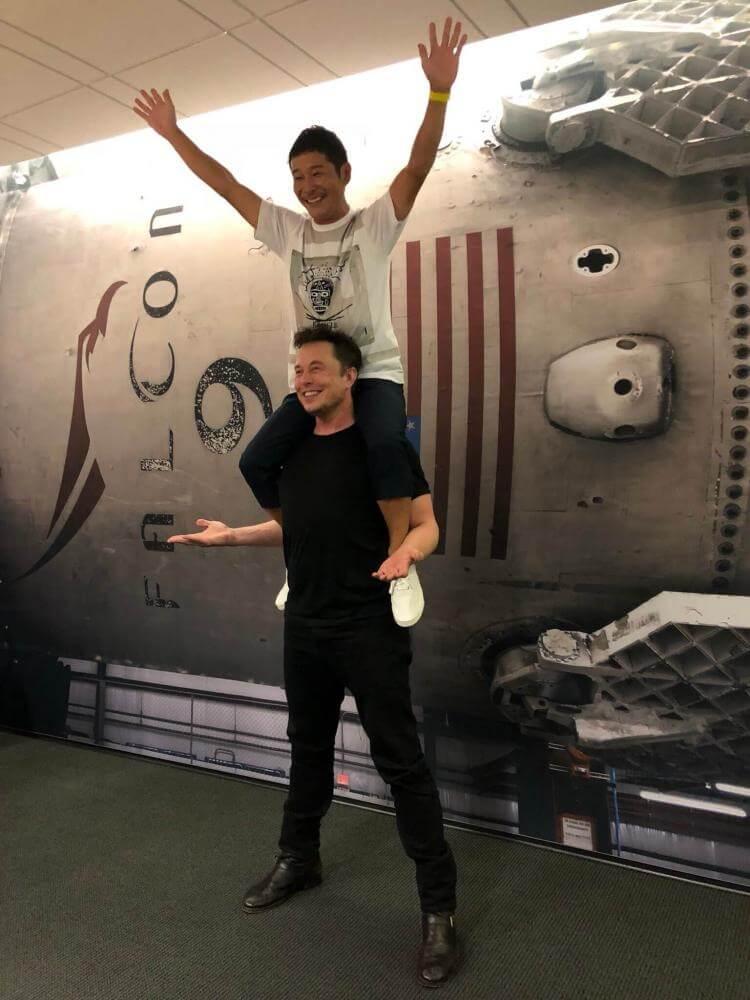 Завдяки Ілону пан Маєзава вже став трохи ближчим до Місяця