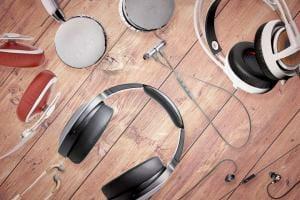 Технології Чи впливає ціна навушників на їхню якість? гроші звук лонгрід музика