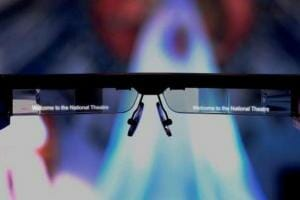 Технології У лондонському театрі окуляри показуватимуть субтитри для людей з вадами слуху британія Доповнена реальність новина у світі