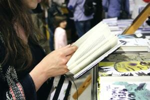 Життя Спільнодрук в дії — як українці своїми силами відроджують книгодрукування KomuBook зроблено в Україні книги україна