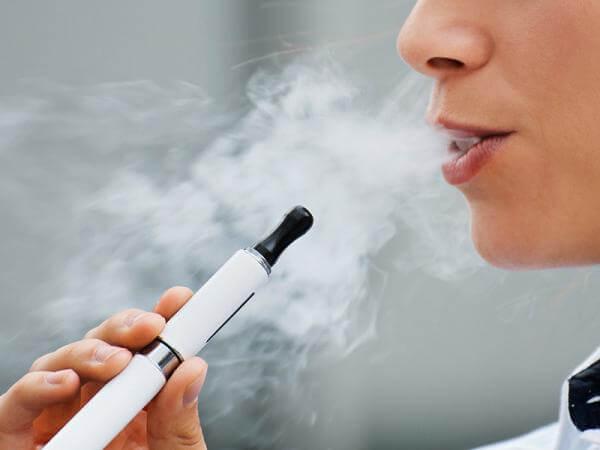 Наскільки електронна сигарета безпечніша за звичайну?