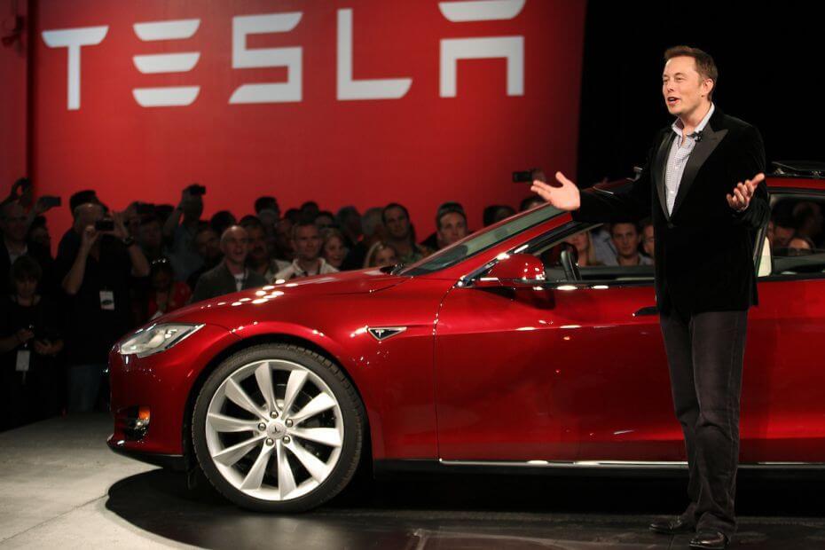 Ілон Маск покидає пост голови ради директорів Tesla