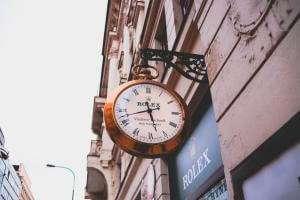 Життя Чому Rolex — одні з найдорожчих годинників планети? історія стаття у світі швейцарія