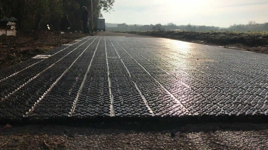 У Німеччині відкрили велодоріжку з сонячних панелей