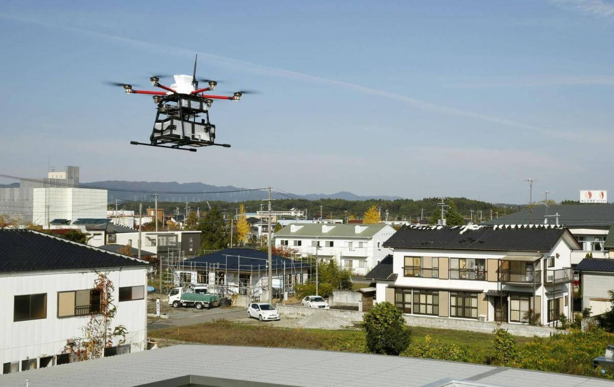 У Японії дрони почали доставляти кореспонденцію