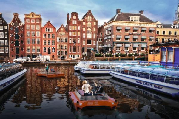 В Амстердамі створили безпілотний човен для перевезення туристів, товарів та сміття