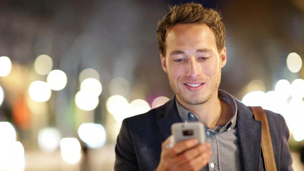 100 тис. $ за відмову від смартфона на один рік
